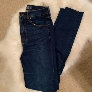 Abercrombie & Fitch Ultra High Rise Jeans 27/4
